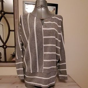 Ivanka Trump Sweater  size M